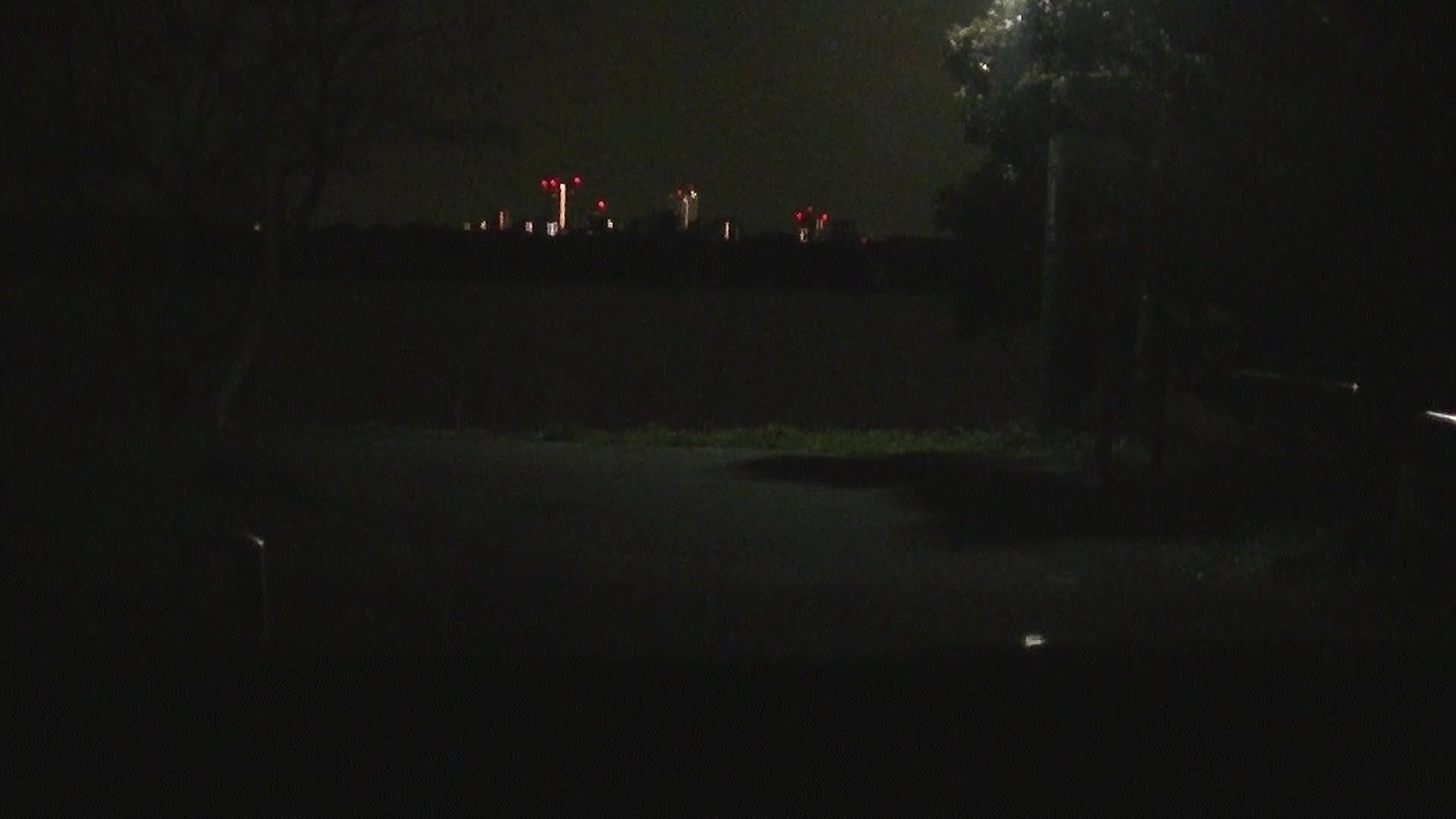 市川市里見公園の駐車場から見える江戸川