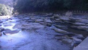 宮崎県都城市にある関之尾滝上部の川
