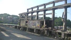 台湾にある造船所2階の床が壊れて行けない場所